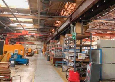SRM Ausräumung Lagerhalle in Oberhausen Sicht in die Halle